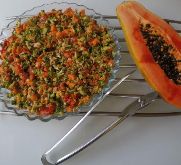 Ensalada DETOX con brocoli, papaya. Con Thermomix® y vídeo