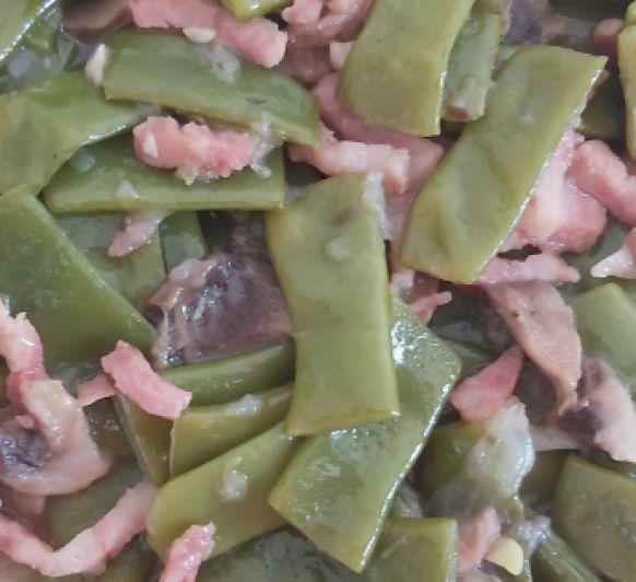 Judías verdes con champiñones y beicon