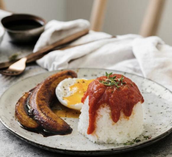 Arroz a la Cubana (sí... si con su salsa de tomate y todo en solo 40 minutos)