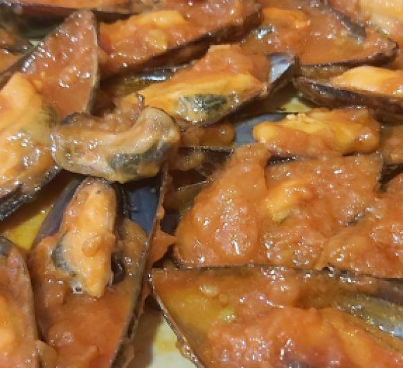 Mejillones al vapor con salsa picante