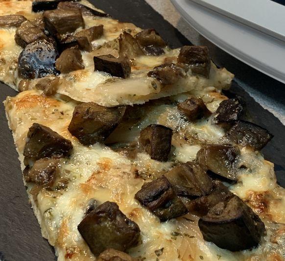 PIZZA DE BERENJENA Y QUESO GORGONZOLA